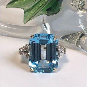 Jewelry - Gorgeous 14K YG Large Emerald Cut Blue Topaz Diam.